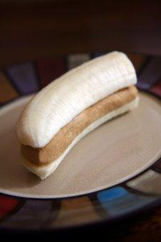 208946a2_e4c45be2f851fe66_banana-snack.jpg.xxxlarge_2x
